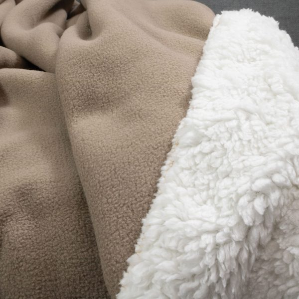 Sherpa Throws Beige Close Up